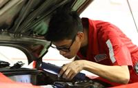 訂立目標持續增值 修車學徒成為博士