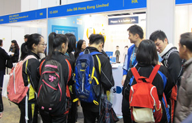 Meeting with young candidates at HKTDC Expo
